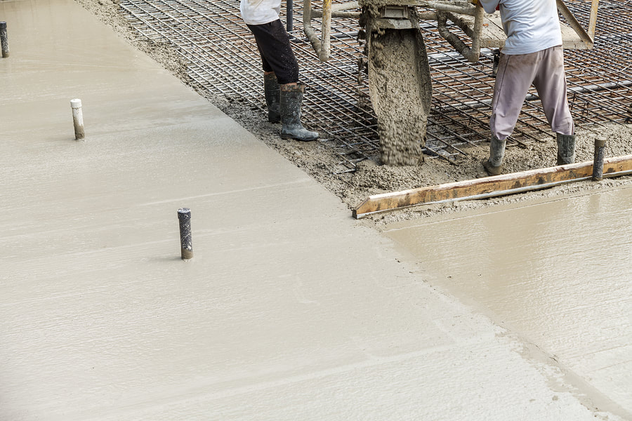 finishing the concrete road